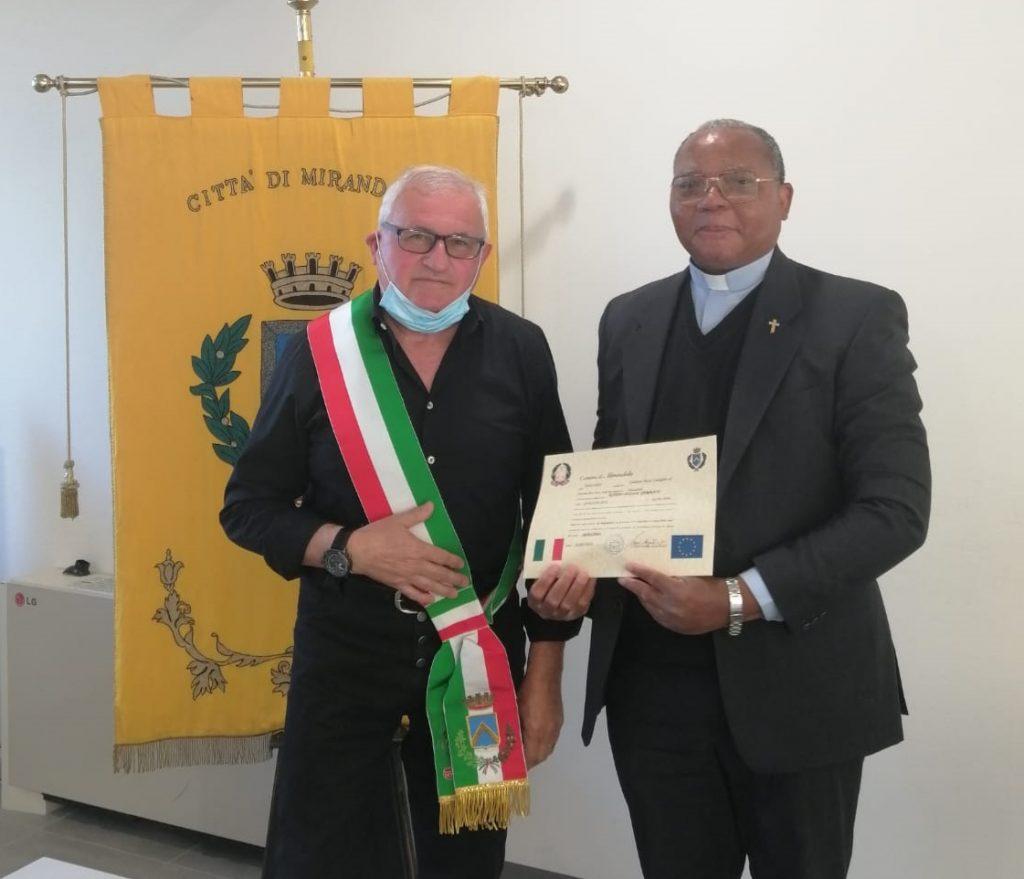 Mirandola, don Germain Kitcho cittadino italiano