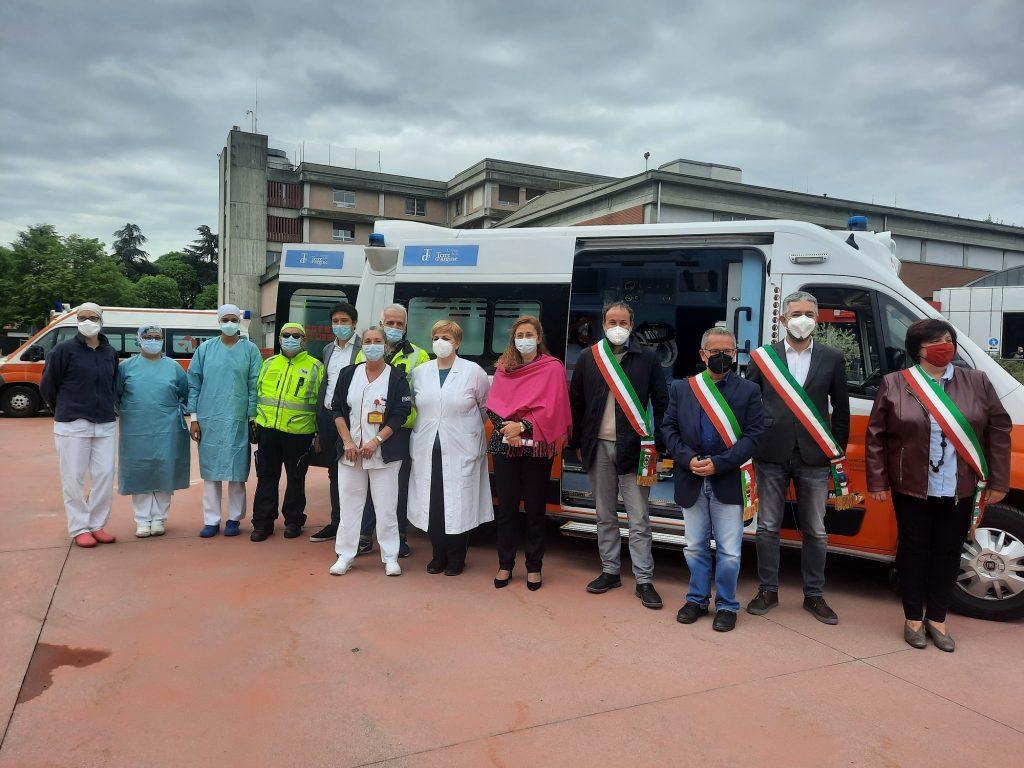 Una nuova ambulanza e nuove strumentazioni per la sanità del territorio