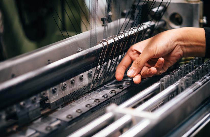 Crisi del tessile e dignità del lavoro