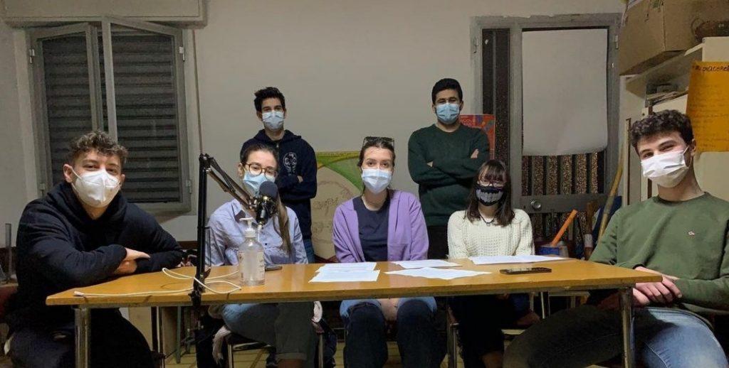 Torna Kamaludu Podcast, esplorando la società contemporanea