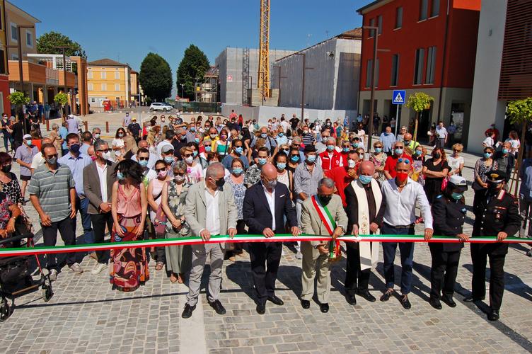 Novi di Modena - Rinasce una parte di Piazza I maggio