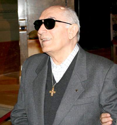 Don Francesco Cavazzuti - Sì, ci sarà una luce