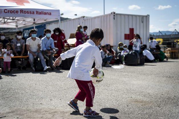 Modena: la Prefettura impegnata nell'accoglienza dei profughi afghani