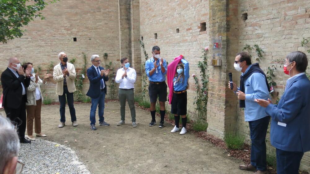 Carpi. Inaugurata l'area verde e l'angolo di preghiera dedicato a don Nino Levratti