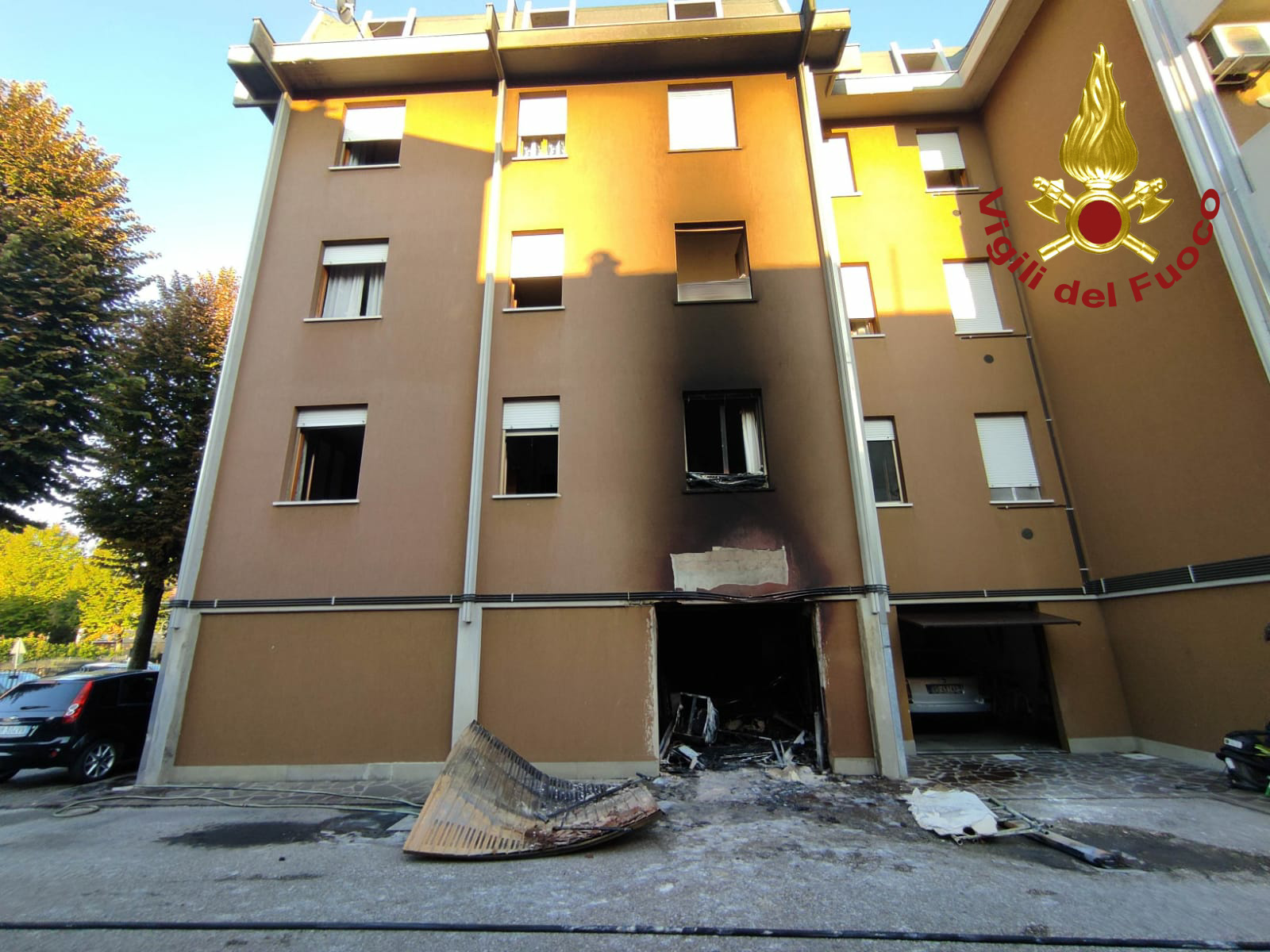 Mirandola, incendio in via Barozzi