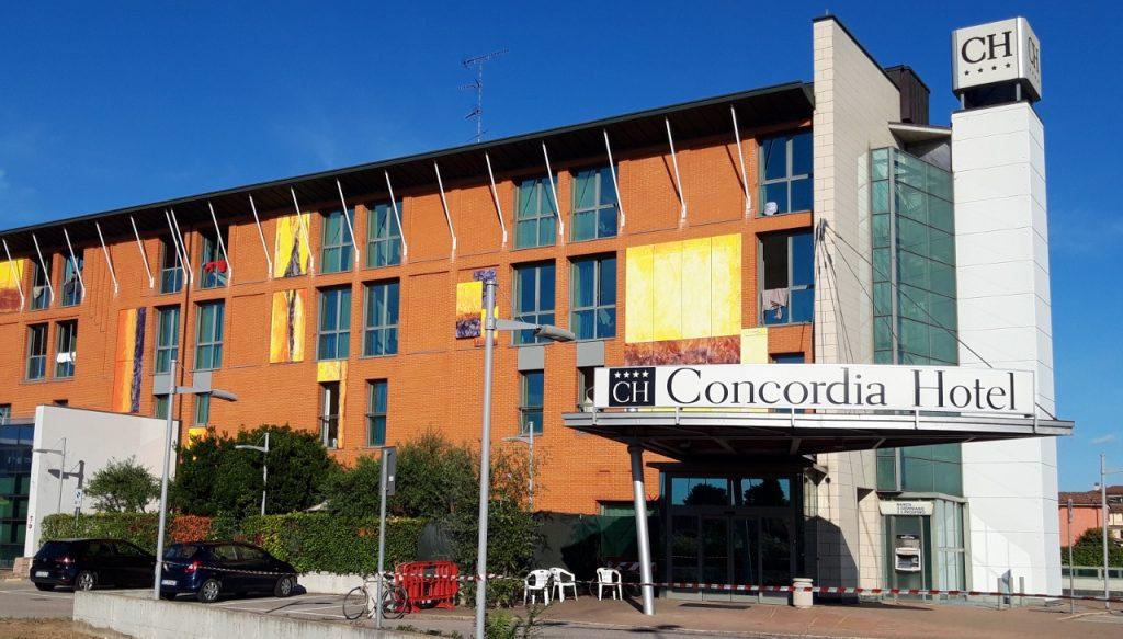 Una cinquantina di afghani hanno lasciato l'Hotel Concordia